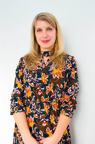 Марина Константиновна Скачкова  - преподватель англ. языка в детском центре «Пеппи»