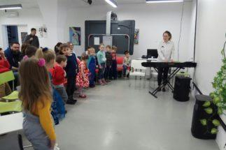 Новое занятие в «ПЕППИ»: развиваем музыкальный слух, вкус, ритм!